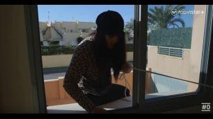 WEB LAHUIDA:  Programa 6 - Marta y Mónica  Salen por la ventana del apartamento