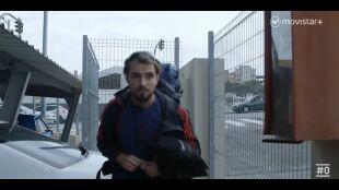 LA HUIDA. PROGRAMA 4. Ana y David paranoia en la estación de bus