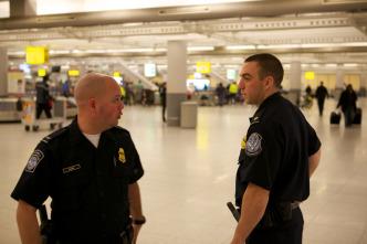 Dentro de: JFK: Control de Aduanas