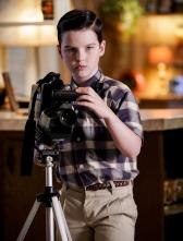 El joven Sheldon - Una raza sobrehumana y una carta para Alf