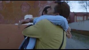LA HUIDA. PROGRAMA 5. Diego y Juani vuelven a casa a ver a su hijo