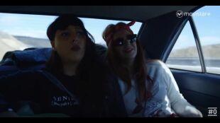 LA HUIDA. PROGRAMA 9. Mónica y Marta paran a echar gasolina