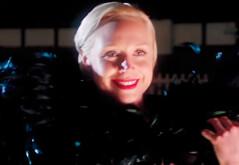 Gwendoline Christie en 'Absolutamente fabulosas'