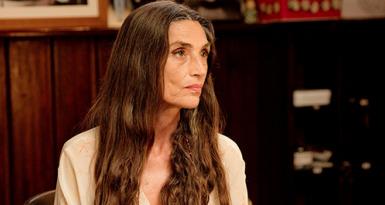 El último traje: Ángela Molina