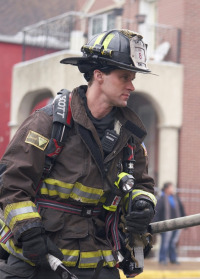 Chicago Fire. T7.  Episodio 17: Tirar tabiques