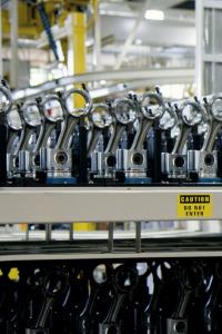 Así se hace. T8.  Episodio 1: Fotografías/Curtido de cueros/Electrodos de soldadura/Violines eléctricos