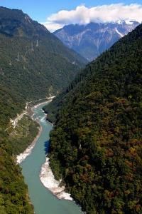 China desde el cielo. T2.  Episodio 2: Tierra de ríos y montañas