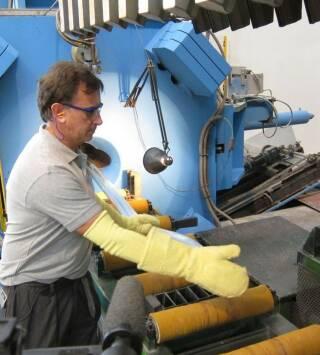 Episodio 1: Fotografías/Curtido de cueros/Electrodos de soldadura/Violines eléctricos