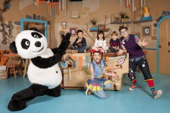 Panda y la cabaña de cartón
