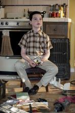El joven Sheldon - Un zumbido agudo y ruedines