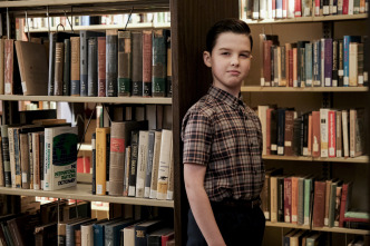 El joven Sheldon - Hobbits contra la física y una bola con dinamita