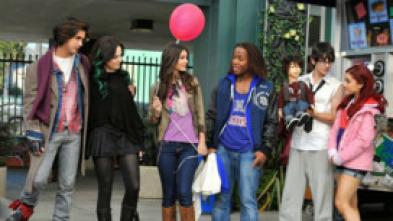 Victorious (2010) - Jade deja a Beck