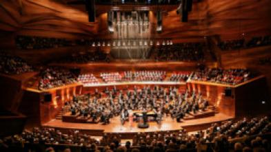 Luisi dirige Strauss, Beethoven y Schönberg