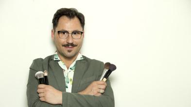 Aprende a maquillarte con David Francés - Make up con gafas